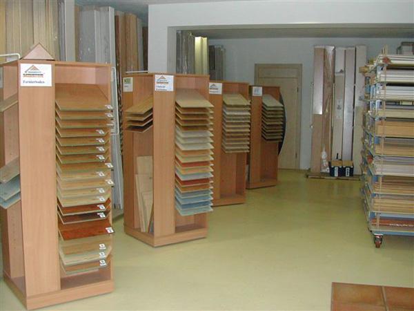Im Erdgeschoss befinden sich unsere Verkaufsräume.Im Erdgeschoss befinden sich unsere Verkaufsräume.