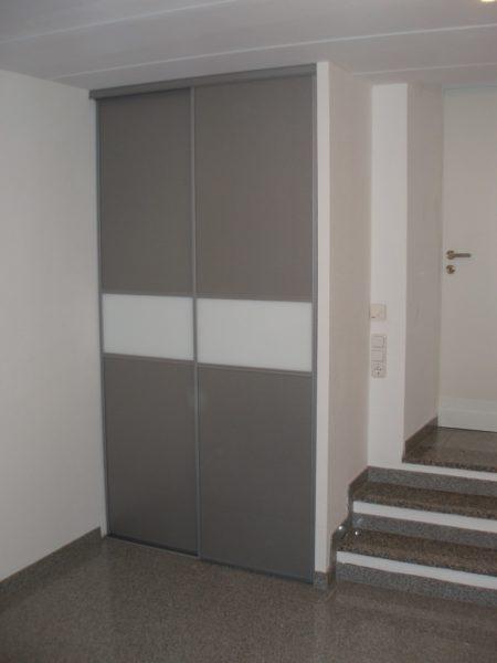 Zugang Keller mit Schiebetüren