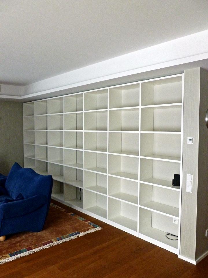 maßgefertigtes Bücherregal