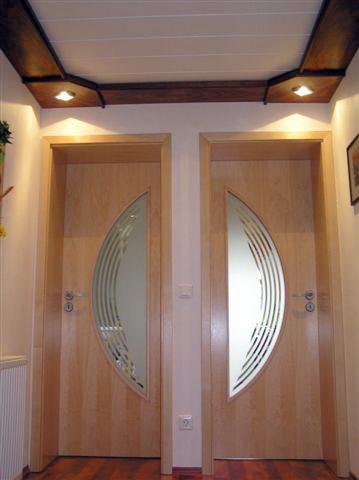 Badtür, Zimmertür Tischlerei Schink baut Ihre Türen in Dresden ein.